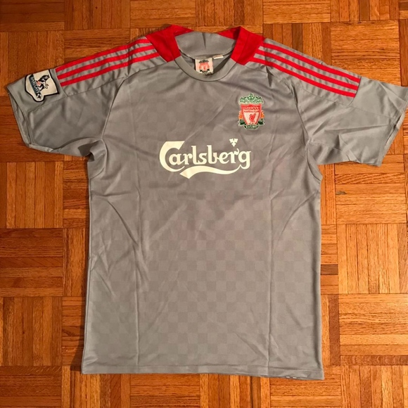 release date: 32432 9f350 Steven Gerrard Liverpool Carlsberg Soccer Jersey 8 NWT